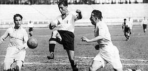 Giuseppe Meazza in azione